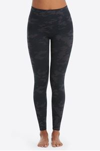 Picture of Black Camo Seamless Leggings